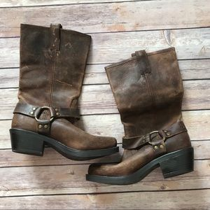 Brown boots size 8 distressed NEW WITH TAGS